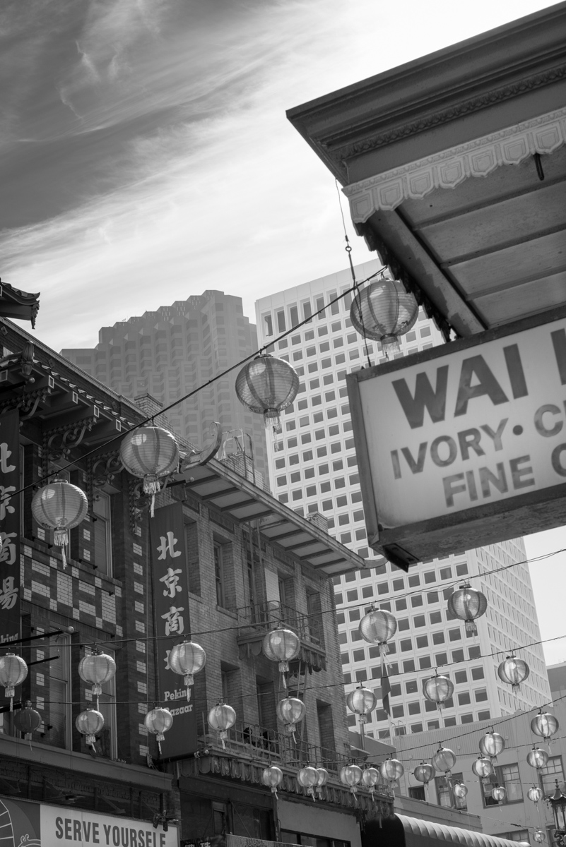 IMAGE: http://www.grahamclarkphoto.com/wp-content/uploads/2014/02/Chinatown_in_Black_and_White6.jpg