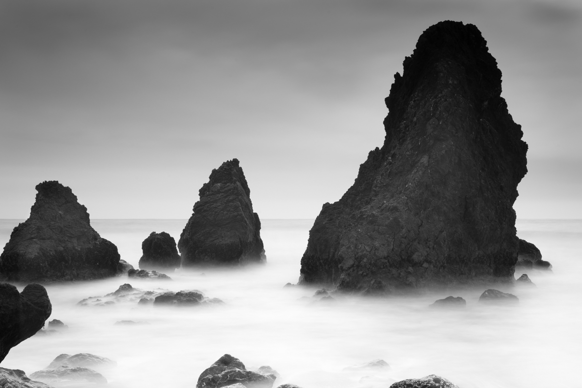 IMAGE: http://www.grahamclarkphoto.com/wp-content/uploads/2014/03/Sony-A7R-with-Canon-50mm-1.8-FD-at-Rodeo-Beach.jpg